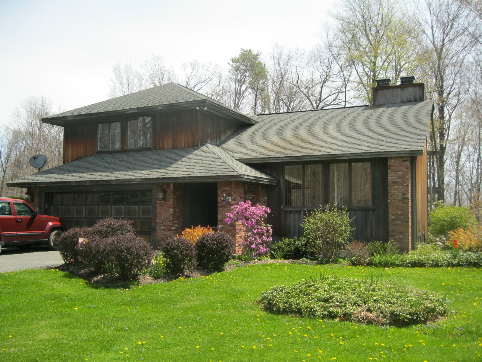 Mid-century modern houses > McMansions and other neo-eclectic ...