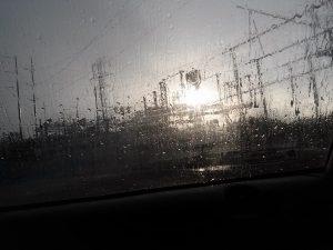 pylons_rain1