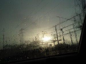 pylons_rain2