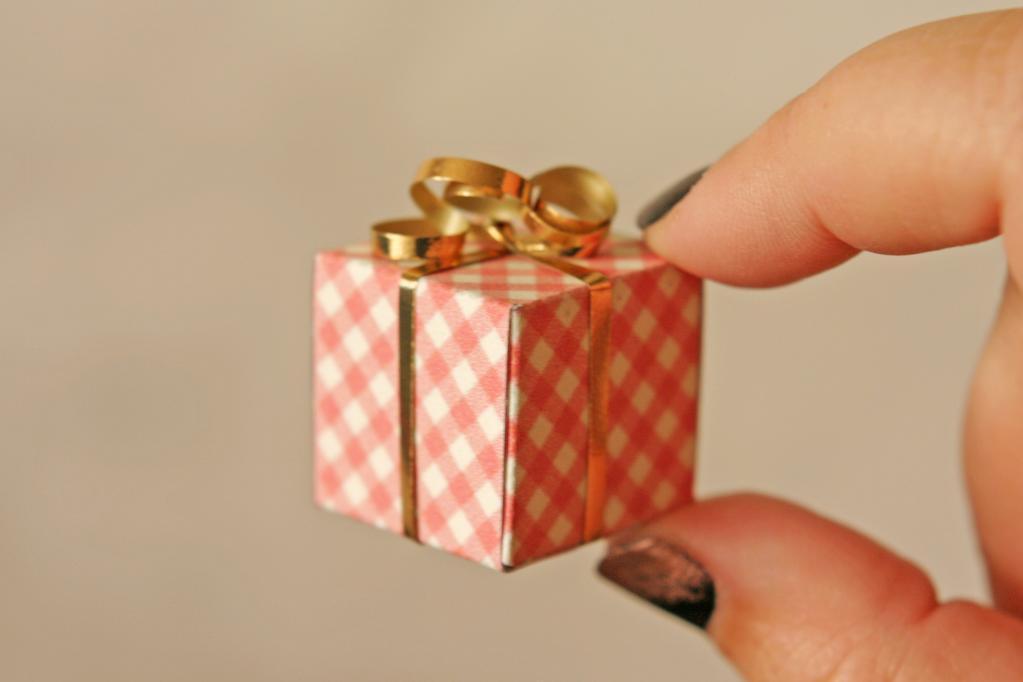 Своими руками маленький подарок